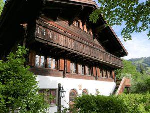 Ferienwohnung für 9 Personen (240 m²) ab 282 € in Gstaad