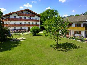 Ferienwohnung für 4 Personen (45 m²) ab 63 € in Gstadt am Chiemsee