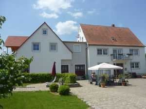 19405765-Ferienwohnung-4-Gunzenhausen-300x225-1