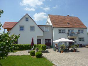 22140379-Ferienwohnung-4-Gunzenhausen-300x225-1