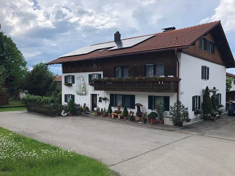 17932607-Ferienwohnung-4-Halblech-800x600-0