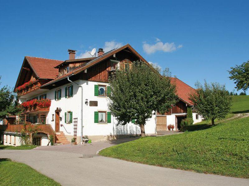 17932572-Ferienwohnung-4-Halblech-800x600-0