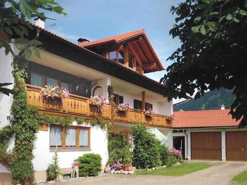 17932690-Ferienwohnung-5-Halblech-800x600-0