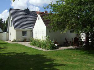 18663845-Ferienwohnung-3-Heide-300x225-1