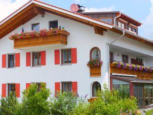 Ferienwohnung für 6 Personen (90 m²) ab 76 € in Hopferau