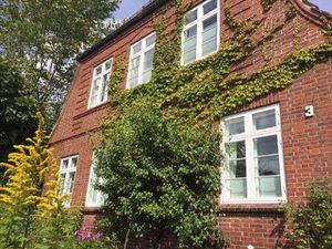 Ferienwohnung für 7 Personen (150 m²) ab 100 € in Husum