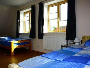 3423678-Ferienwohnung-6-Husum-300x225-3