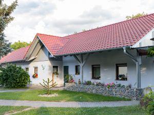 Ferienwohnung für 5 Personen (65 m²) ab 70 € in Iphofen