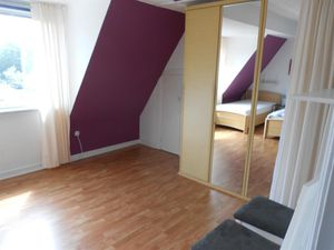 18717499-Ferienwohnung-3-Kiel-300x225-8