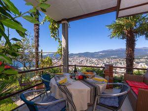 Ferienwohnung für 4 Personen (120 m²) ab 132 € in Lugano