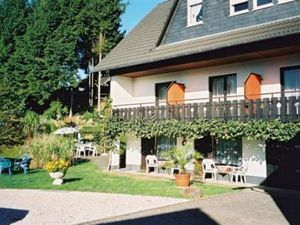 3794167-Ferienwohnung-3-Manderscheid-300x225-2
