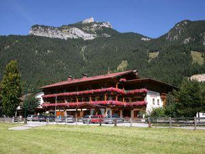 Ferienwohnung für 4 Personen (75 m²) ab 158 € in Maurach am Achensee