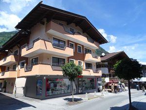 22417025-Ferienwohnung-6-Mayrhofen-300x225-1