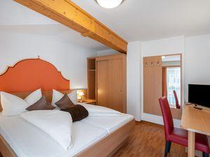 429153-Ferienwohnung-4-Mayrhofen-300x225-2