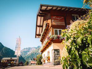 Ferienwohnung für 5 Personen (46 m²) ab 149 € in Mittelberg (Kleinwalsertal)