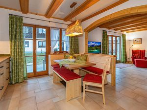 Ferienwohnung für 6 Personen (130 m²) ab 160 € in Mittenwald