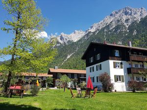 Ferienwohnung für 4 Personen (56 m²) ab 98 € in Mittenwald