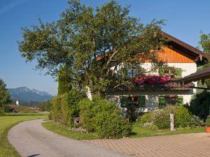 Ferienwohnung für 5 Personen (100 m²) ab 42 € in Neukirchen (Traunstein)