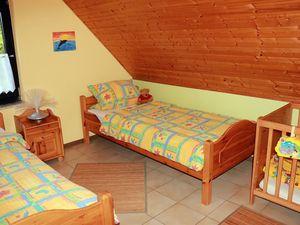 18026422-Ferienwohnung-6-Nimshuscheid-300x225-24