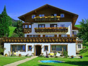 Ferienwohnung für 5 Personen (66 m²) ab 70 € in Ofterschwang