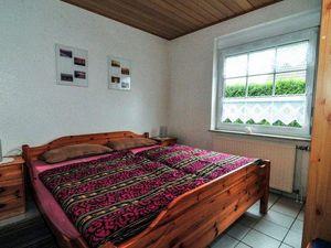 18305427-Ferienwohnung-4-Otterndorf-300x225-3