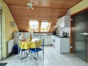 18305428-Ferienwohnung-4-Otterndorf-300x225-1