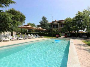 Ferienwohnung für 7 Personen (100 m²) ab 108 € in Poreč