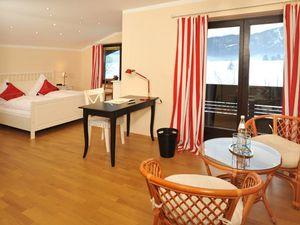 Ferienwohnung für 9 Personen (250 m²) ab 190 € in Reit im Winkl