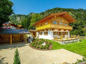 Ferienwohnung für 8 Personen (170 m²) ab 230 € in Reit im Winkl