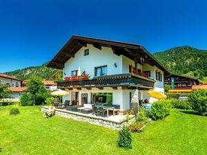 Ferienwohnung für 4 Personen ab 80 € in Reit im Winkl