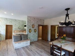 Ferienwohnung für 4 Personen (100 m²) ab 62 € in Rödental