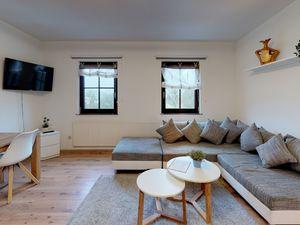 Ferienwohnung für 8 Personen (102 m²) ab 55 € in Rödental