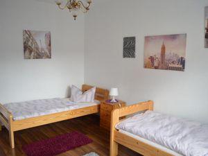22392737-Ferienwohnung-8-Rödental-300x225-5