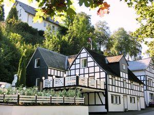 Ferienwohnung für 8 Personen (100 m²) ab 161 € in Schmallenberg
