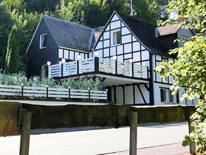 19341312-Ferienwohnung-8-Schmallenberg-300x225-1