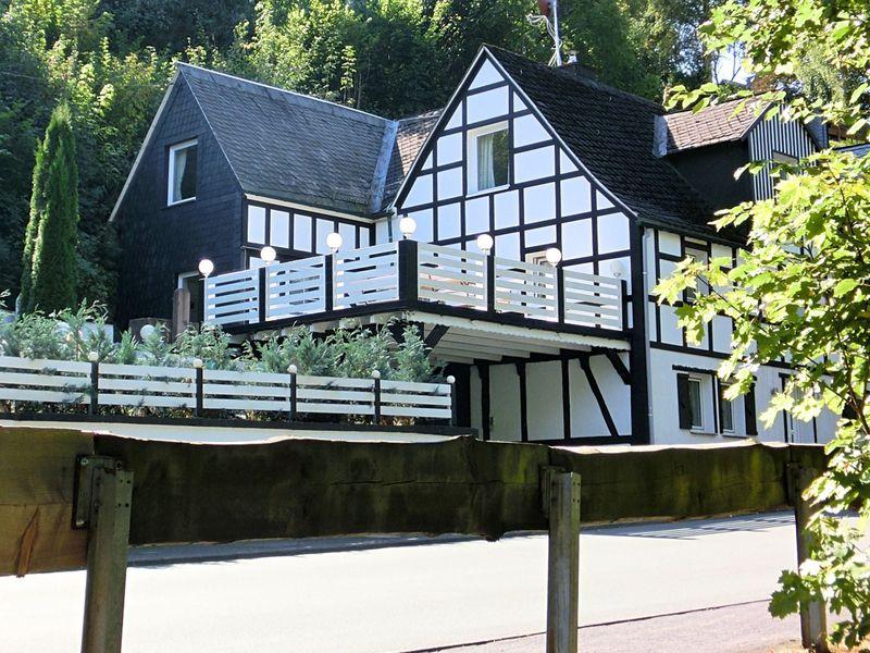 19341312-Ferienwohnung-8-Schmallenberg-800x600-1