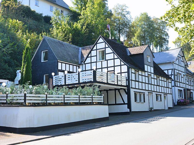 19341312-Ferienwohnung-8-Schmallenberg-800x600-2