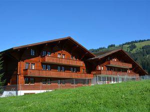 Ferienwohnung für 12 Personen (160 m²) ab 302 € in Schönried