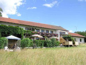 Ferienwohnung für 4 Personen (105 m²) ab 135 € in Seeon-Seebruck