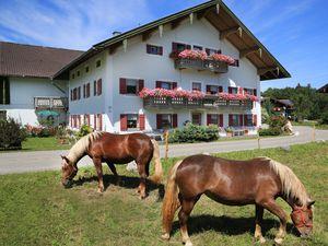 Ferienwohnung für 5 Personen (100 m²) ab 60 € in Siegsdorf