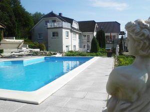 19305800-Ferienwohnung-4-Sierksdorf-300x225-3