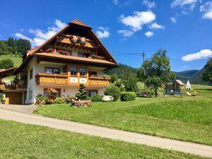 Ferienwohnung für 3 Personen ab 44 € in Simonswald