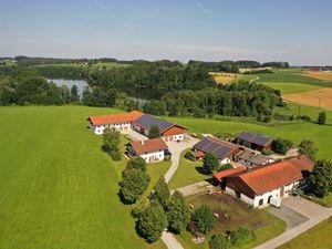 Ferienwohnung für 5 Personen (82 m²) ab 155 € in Söchtenau
