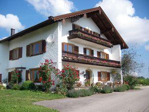 Ferienwohnung für 5 Personen (70 m²) ab 38 € in Teisendorf