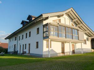 Ferienwohnung für 10 Personen (90 m²) ab 111 € in Thurmansbang