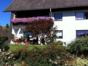 19047935-Ferienwohnung-5-Titisee-Neustadt-300x225-1