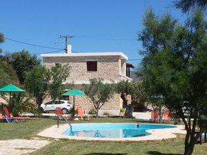 Ferienwohnung für 5 Personen (80 m²) ab 67 € in Triopetra