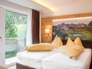 Ferienwohnung für 9 Personen (70 m²) ab 165 € in Tweng