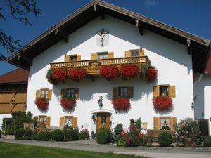 Ferienwohnung für 5 Personen (120 m²) ab 65 € in Waging