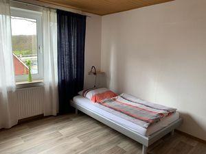 18269113-Ferienwohnung-4-Wallenhorst-300x225-5